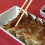 くるまやラーメン 餃子 美味しい 醤油と酢で Japanese Street Food