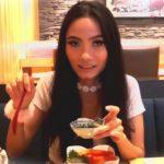 Tutorial Makan Salmon Don, Japanese Food