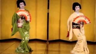 Beautiful traditional Japanese Dance: Kabuki Dance