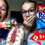 Trying Japanese candies/food