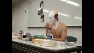 Japanese Kabuki – Putting On Facepaint – Part 1