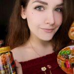 АСМР Японская еда, Лапша и сладости 🍜🍬 ASMR Trying Japanese food, Ramen and Candy 🍭🍝