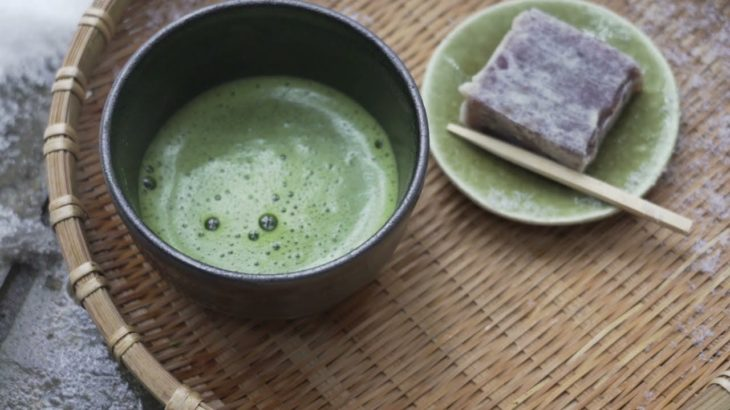 Japanese culture   drink matcha on a snowy mountain   tea ceremony